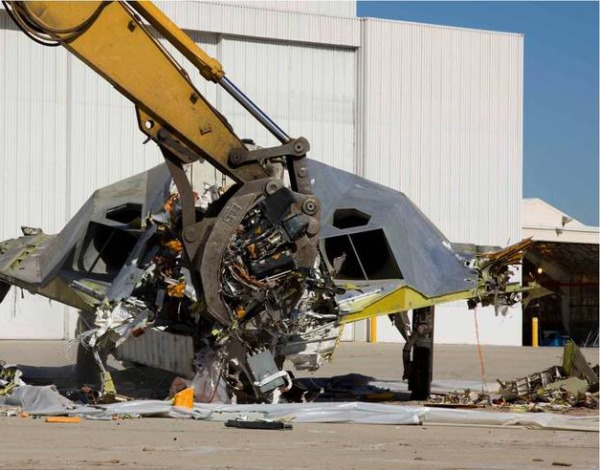 F 117 (航空機)の画像 p1_19
