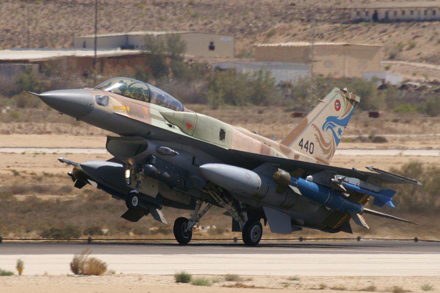 F 15 (戦闘機)の画像 p1_25
