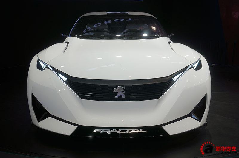 プジョーのコンセプトカー・フラクタル 北京モーターショー2016