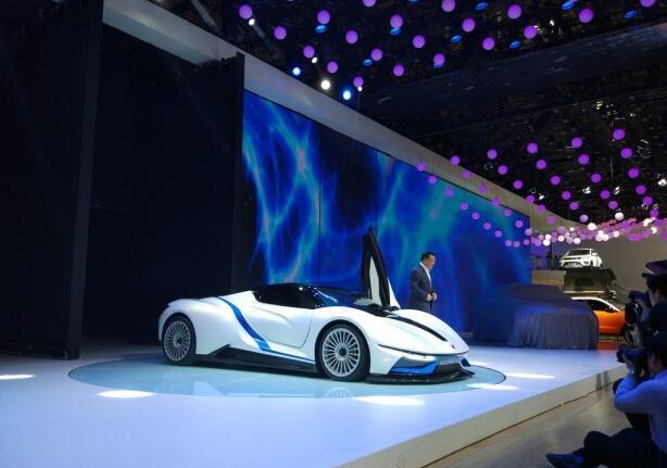 北汽の新エネ車ARC FOX-7公開 北京モーターショー2016