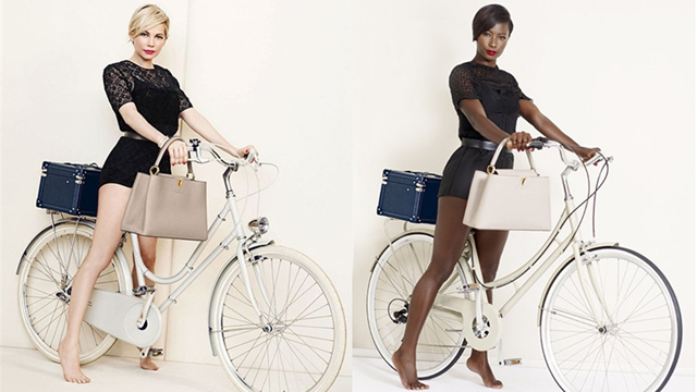 米黒人モデル、有名モデルと同じ写真で魅力を伝える