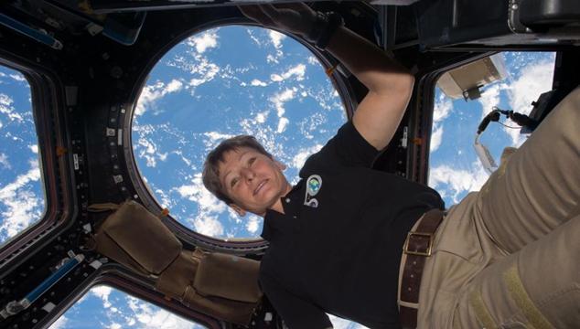 女性宇宙飛行士、宇宙滞在の米国記録を更新