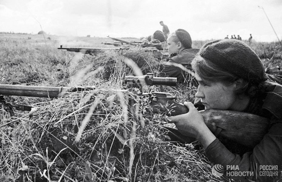 ロシアの大祖国戦争、戦場で活躍する女性軍人たち