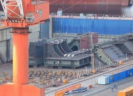 大連造船所、4隻目新型空母のモジュールが登場か