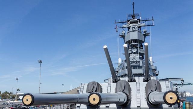 米海軍最強の戦艦、中国の軍事マニアがアイオワ級を見学