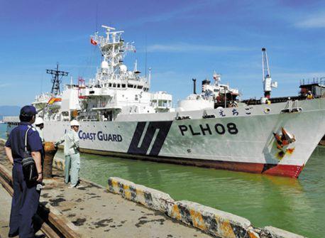 日本海保巡視船がベトナムと合同訓練、狙いは中国けん制か
