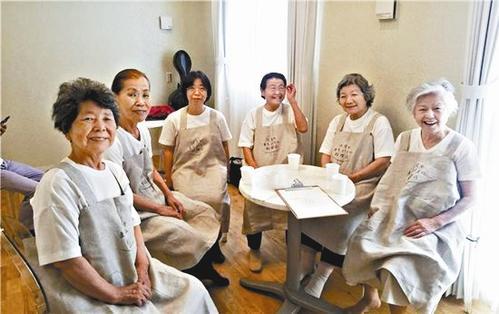 日本、「注文を間違える料理店」が話題 客が怒らないワケは?