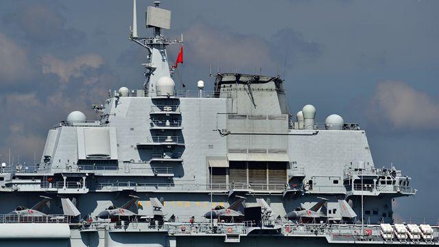 空母「遼寧艦」、大きな標語が描かれる
