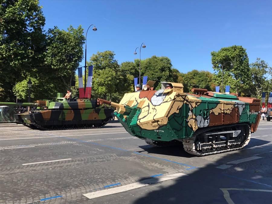 仏建国記念パレード 第一次世界大戦の装備が登場コメント
