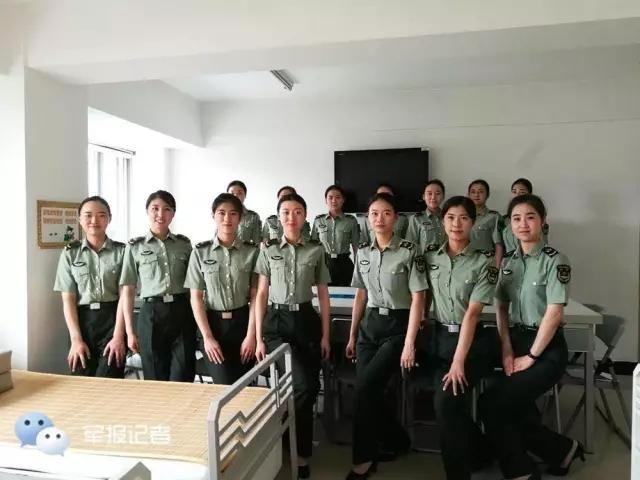 走近中国人民解放军三军仪仗队女队员
