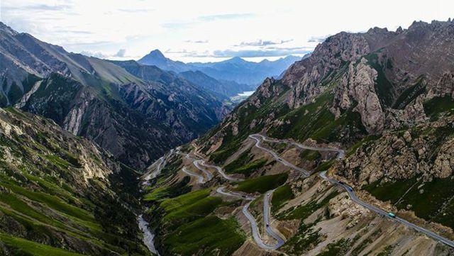 天山を越える、新疆の最も美しい道路