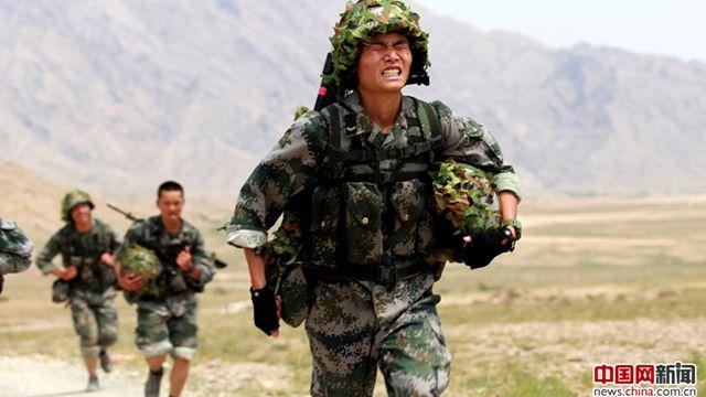 陸軍第76集団軍某旅団、猛暑日の特訓でエリート兵に