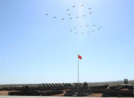 多くの「初」を樹立、専門家が朱日和軍事パレードを分析