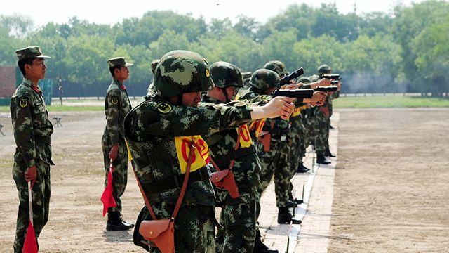 山西省武装警察、「硬い拳」を養う
