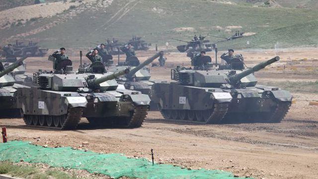 中国トップクラスの輸出仕様兵器、実力を存分に示す