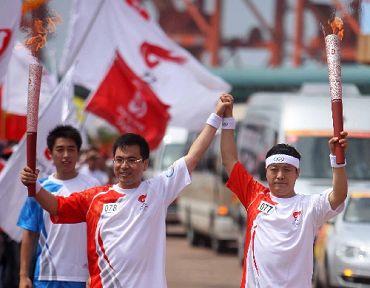 31 июля: В г. Таншань завершился очередной этап эстафеты огня Пекинской Олимпиады