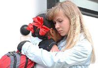 Дети из пострадавших от землетрясения районов провинции Ганьсу возвращаются на Родину из России