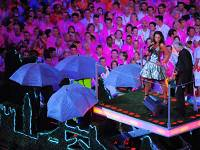 Лондон как город-хозяин 30-ых летних Олимпийских игр в 2012 г. показывает 8-минутное представление