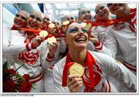 Российская женская команда завоевала золотую медаль в соревнованиях по синхронному плаванию