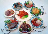 Оригинальные аксессуары в виде кулинарных блюд