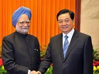 Председатель КНР и премьер Индии провели встречу