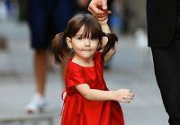 Модные наряды двухлетней дочки Тома Круза