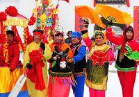 Оживленная традиционная ярмарка в городе Шэньян провинции Ляонин