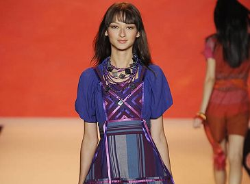 Презентация коллекции женской одежды сезона весна-лето 2009 «Anna Sui»