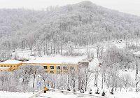 Сказочный зимний пейзаж в месте проведения соревнований Всемирной зимней универсиады в Харбине