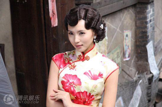 Очаровательная Чэнь Хао в ципао