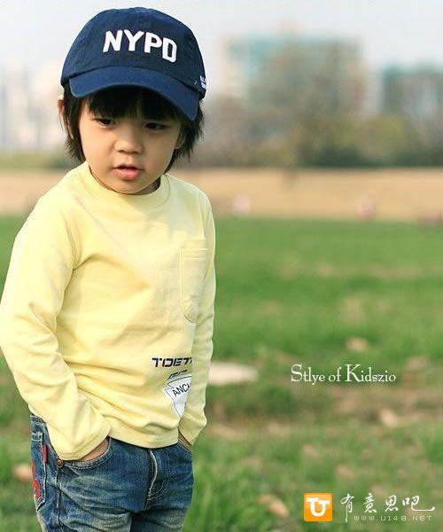 Красивый мальчик в рекламе детской