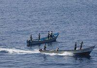 Два ракетных эсминца китайского отряда по сопровождению судов предотвратили пиратское нападение