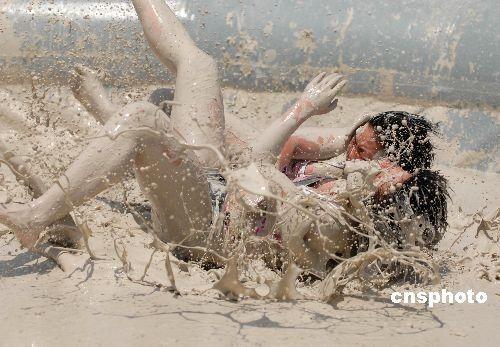 Битвы в грязи голых девушек фото 467-625
