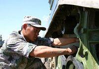 Посещение расположения китайской артиллерии и транспортных средств в рамках военных учений «Мирная миссия - 2009»