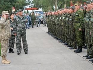 Начальники генштабов вооруженных сил Китая и России провели смотр войск ВВС
