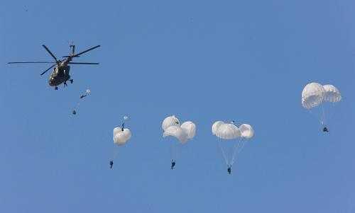 Началась отработка практических действий китайских и российских войск в рамках совместных антитеррористических учений