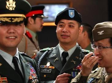 В Пекине прошла вечеринка любителей военной формы