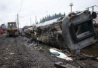 Остается неизвестной судьба 12 человек, которые могли находится в потерпевшем крушении поезде 'Невский экспресс'