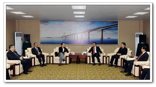 Заместитель премьера Госсовета КНР Ли Кэцян встретился с главами администраций ОАР Сянган и Аомэнь
