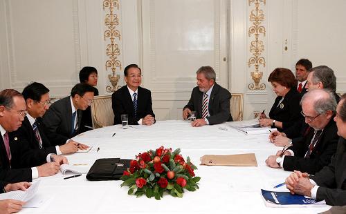 Премьер Госсовета КНР Вэнь Цзябао встретился с президентом Бразилии