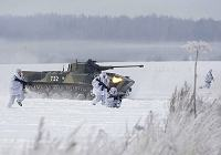 Российские десантники провели учения на снегу