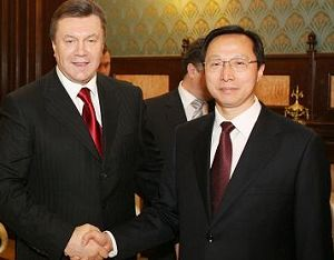 Новый президент Украины встретился со специальным посланником председателя КНР