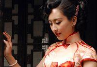 Молодая актриса Ма Су в ципао