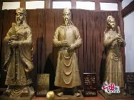 Каждый год 23 января по китайскому календарю в храме Хуанцзесы проводится масштабная ярмарка. Жители Гуанъюаня проводят соревнования на лодках, отмечая день рождения У Цзетянь.