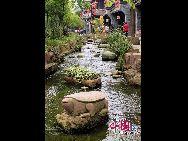 Поселок Хуанлунси имеет 1700-летнюю историю и является популярным туристическим местом в пригороде Чэнду провинции Сычуань.