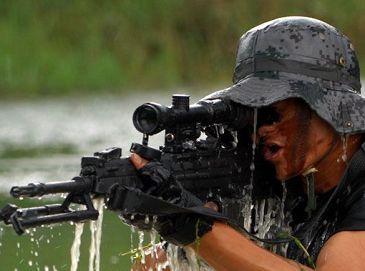 Фото: полевые учения разведывательного батальона армии в провинции Юньнань