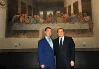 Главы России и Италии были раскритикованы за снятие фотографий перед известной картиной