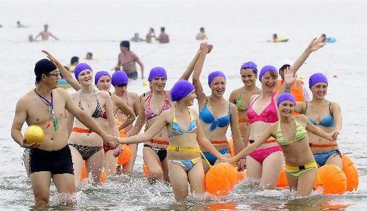 Российские школьники побывали на море в городе Далянь