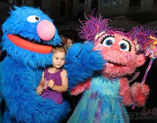Популярные образы из программы «Улица Сезам» открыли начало Недели США в рамках ЭКСПО