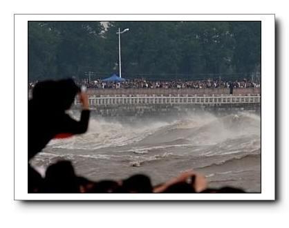 В реке Цяньтанцзян будет самый большой прилив за последние 8 лет